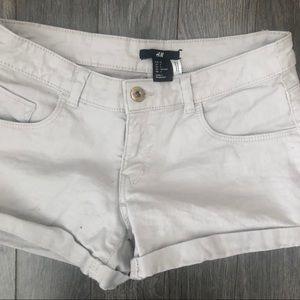 H&M basic off-white denim shorts